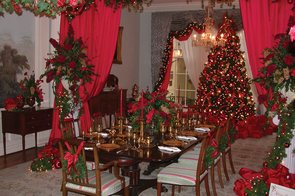 Mansion Museum Holiday Decorating Exhibit