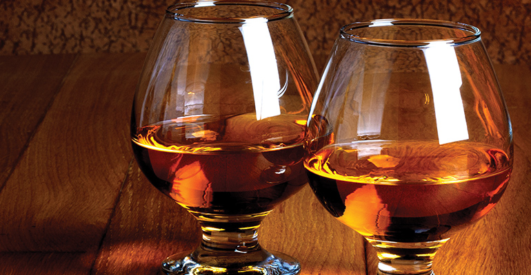 OI Mansion Museum Hosts Bourbon Tasting